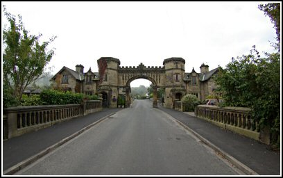The arch between the lodges on Hall Drive
